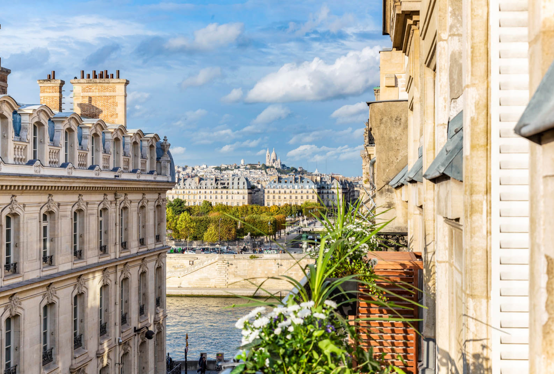 Kasha Paris Real Estate Apartment for sale Rive Gauche Saint-Germain-des-Prés 75007 Paris